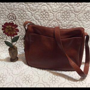 Leather a Liz Claiborne Co